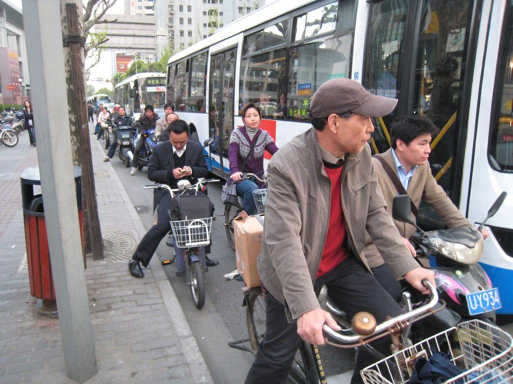 V Šanghaji na kole