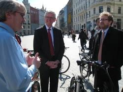 Ve městech na kole a pěšky