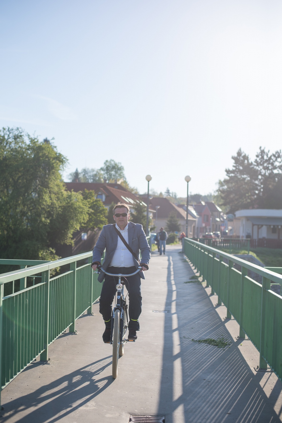 """""""V půlce listopadu jsem skončil s kolem v řece"""": rozhovor s primátorem Petrem Vokřálem o jízdě na kole v Brně"""