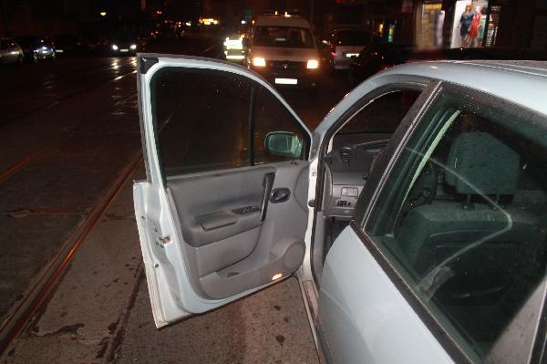 Smrt sražením dveřmi auta – nebezpečná Pekařská