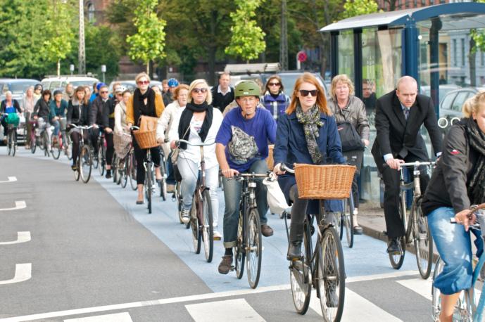 Podpora městské cykloinfrastruktury se masivně vyplatí, ukazují analýzy nákladů a přínosů v Kodani, Calgary a Seville
