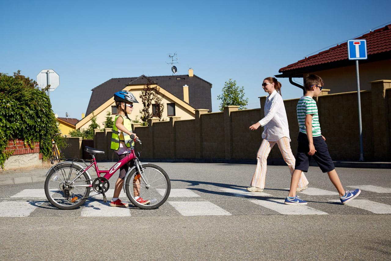 Boření cyklomýtů #1: Kolo a přechod pro chodce
